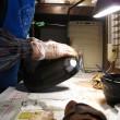 とち手彫り盛り皿の塗り(その2)